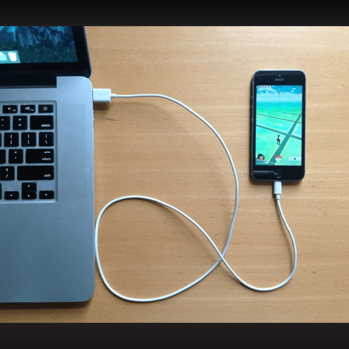 Connect iPhone to Mac using Original Cable