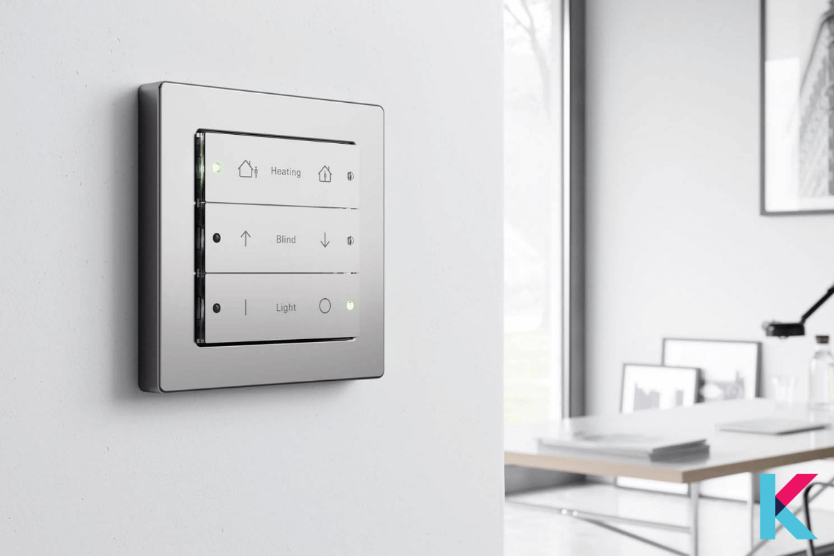 GIRA KNX KEYPAD WITH TEMPERATURE CONTROL