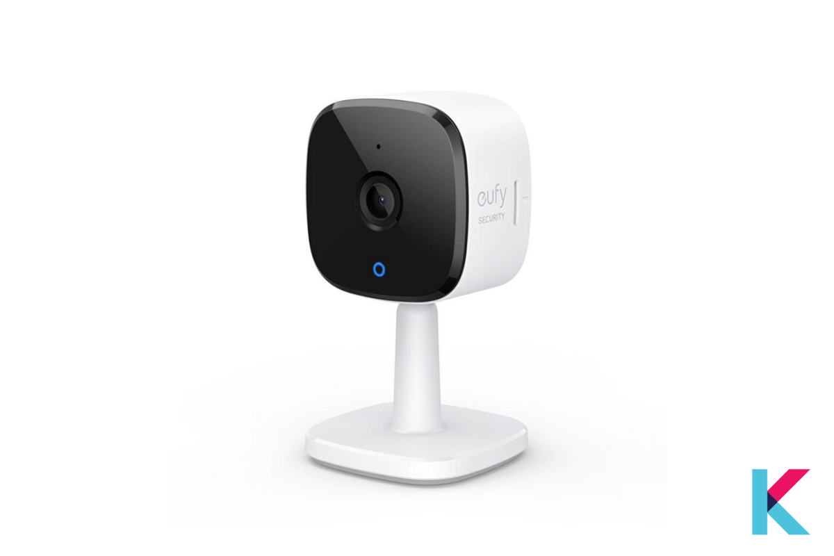 The Eufy Solo indoorCam C24 is a Home security camera with a 2K plug-in.